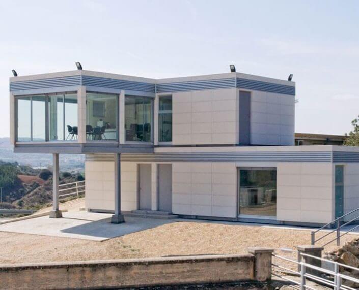 EUROPA PREFABRI- Edificio modular acristalado Alloz