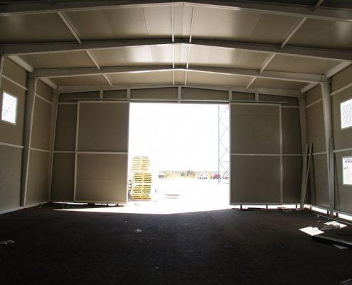 EUROPA PREFABRI- Interior de un almacén prefabricado