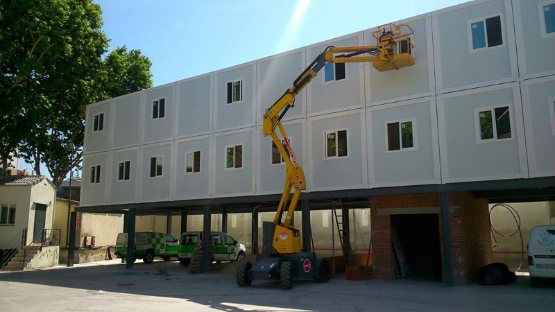 Alquimodul edificio modular a base de uni n de modulos for Construccion de oficinas modulares